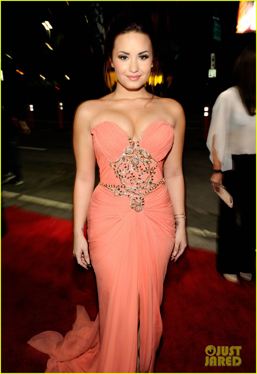 demi lovato pcas 05