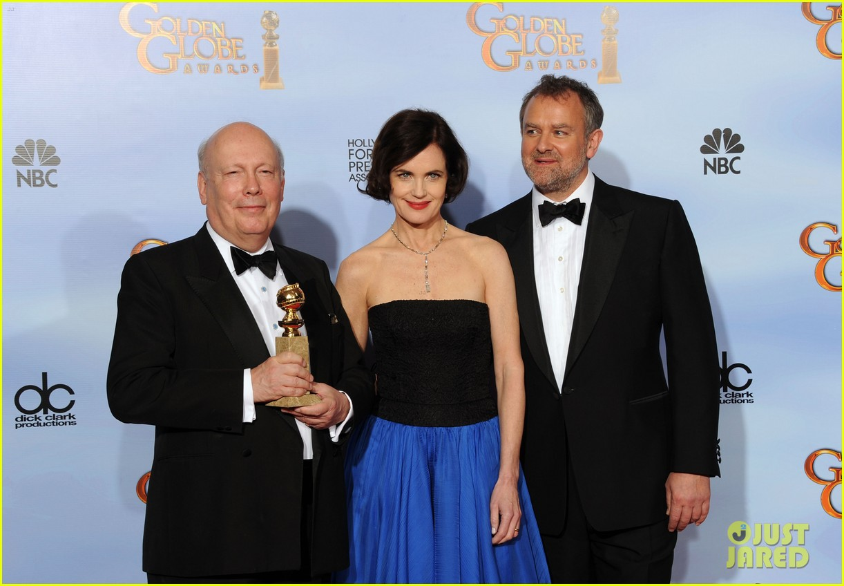 elizabeth mcgovern golden globes 2012 red carpet 012618629