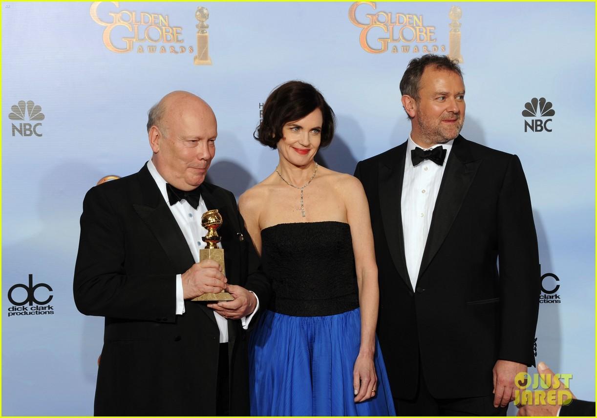 elizabeth mcgovern golden globes 2012 red carpet 052618633
