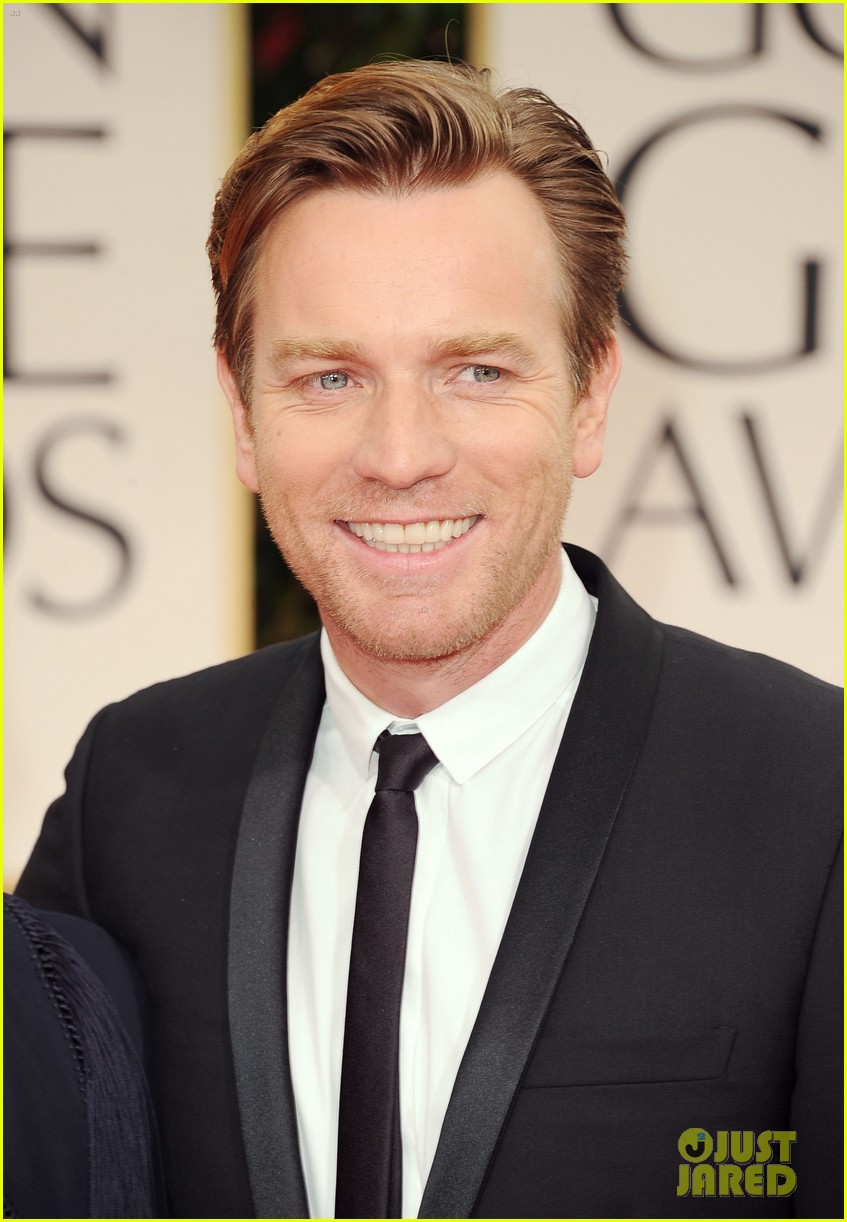 ewan mcgregor 2012 golden globes red carpet 032618428