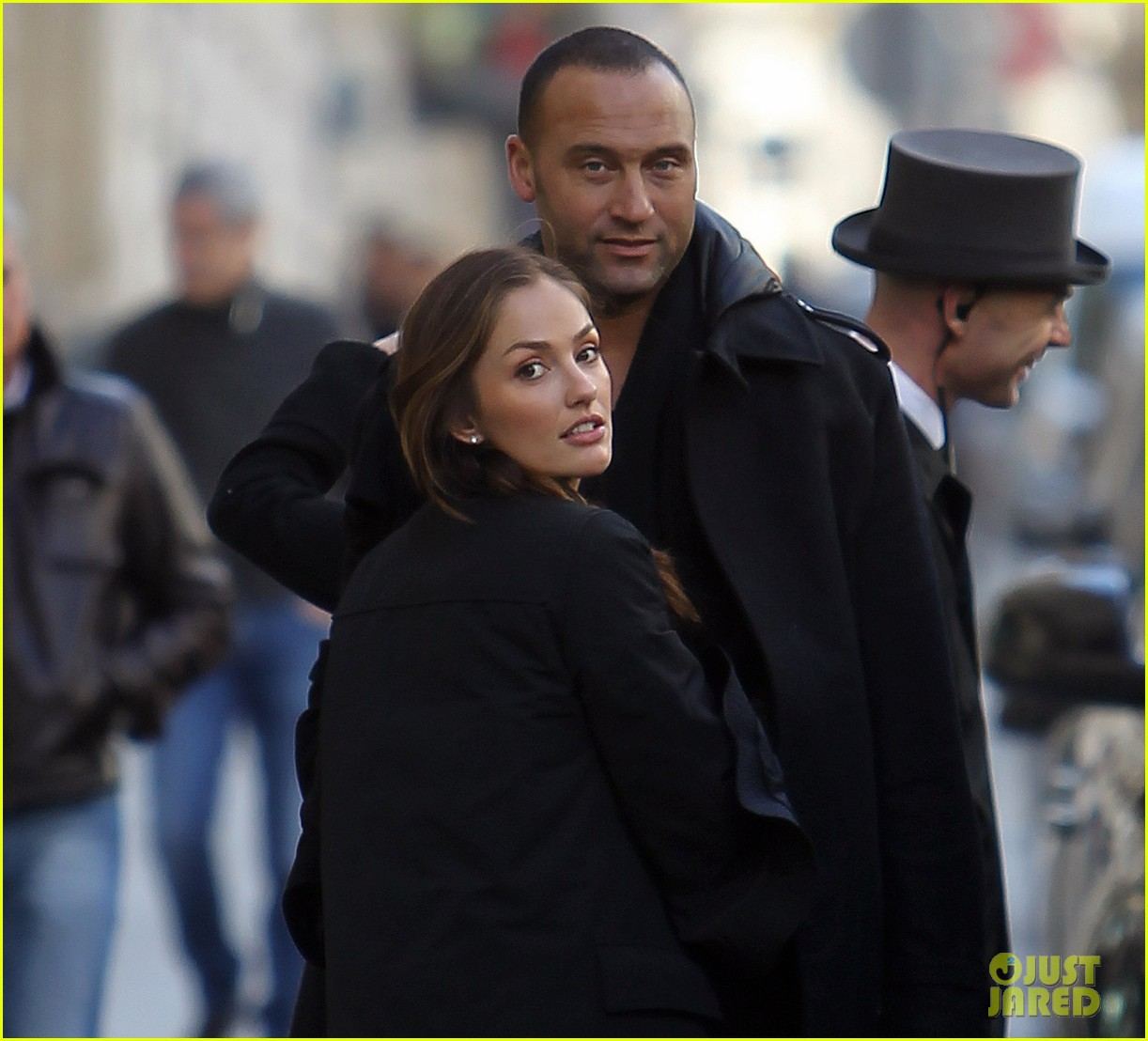 derek jeter minka kelly kissing paris 02
