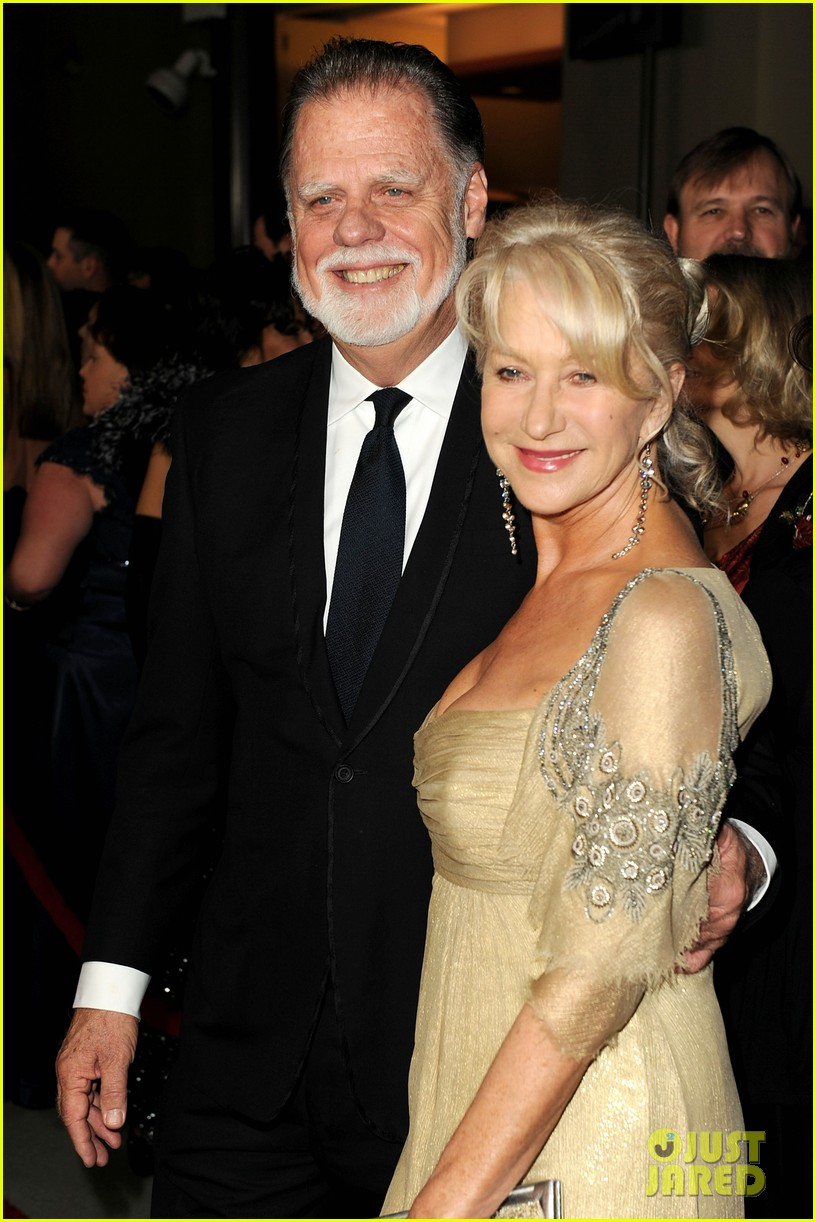 helen mirren dga awards taylor hackford 112623011