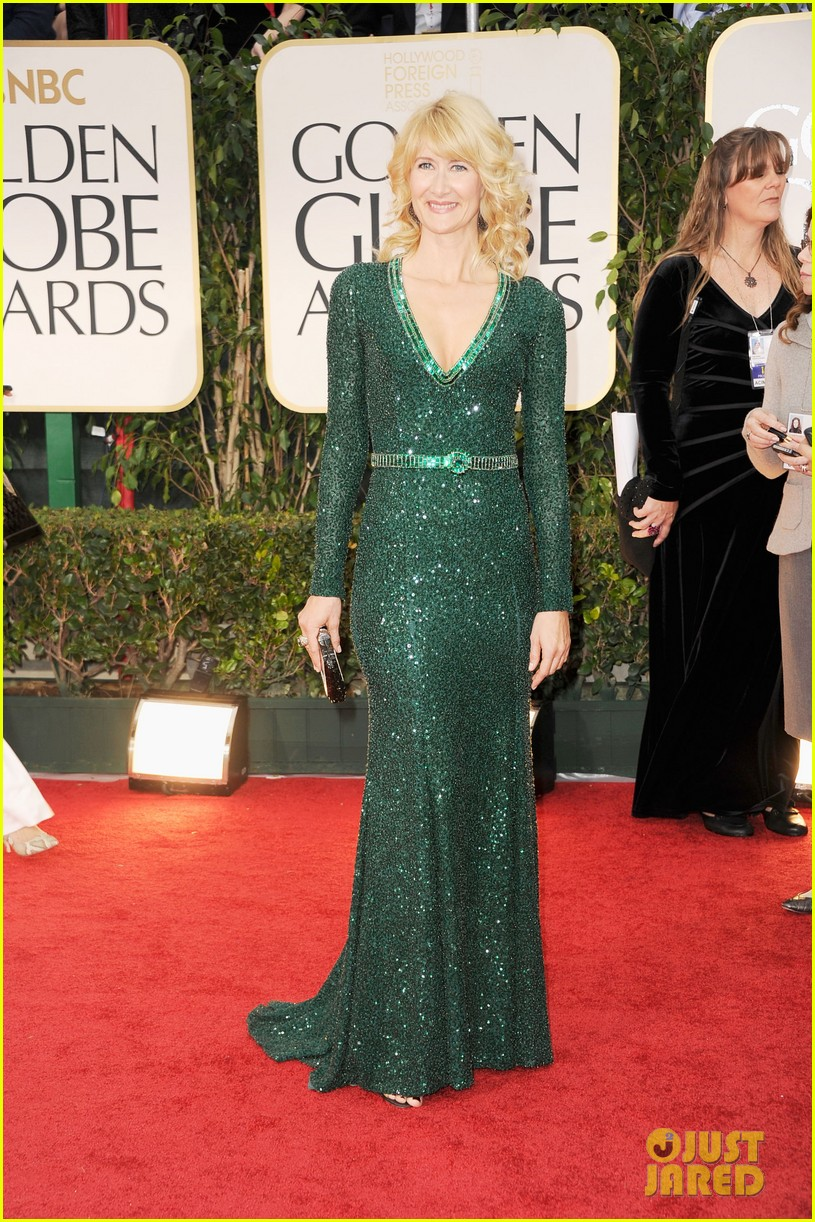 julianne moore laura dern golden globes 012618599