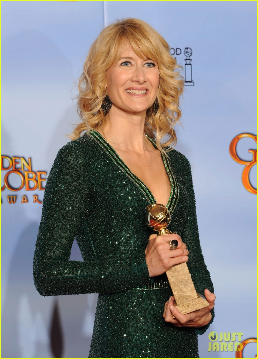 julianne moore laura dern golden globes 092618607