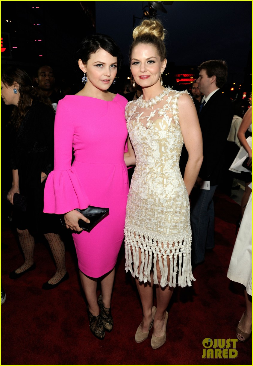jennifer morrison ginnifer goodwin peoples choice awards 03