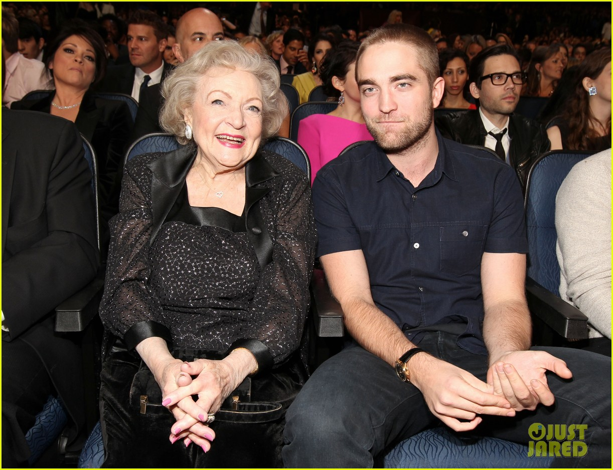 robert pattinson pcas 052616630