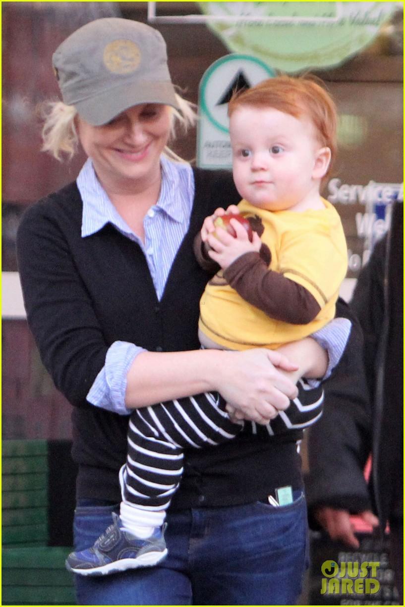 Amy Poehler & Abel Smile After Shopping: Photo 2615576 ...