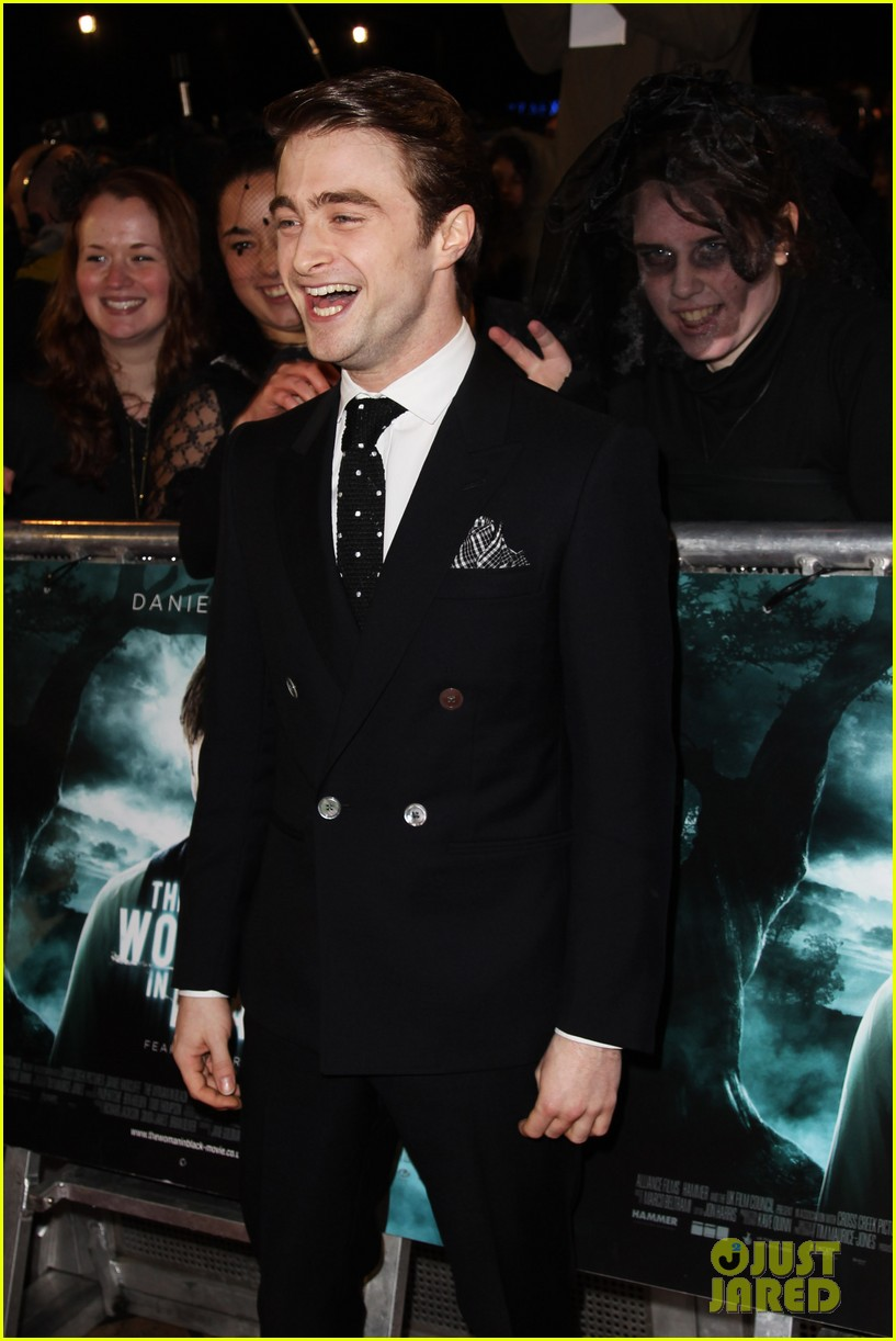 daniel radcliffe woman in black premiere 02