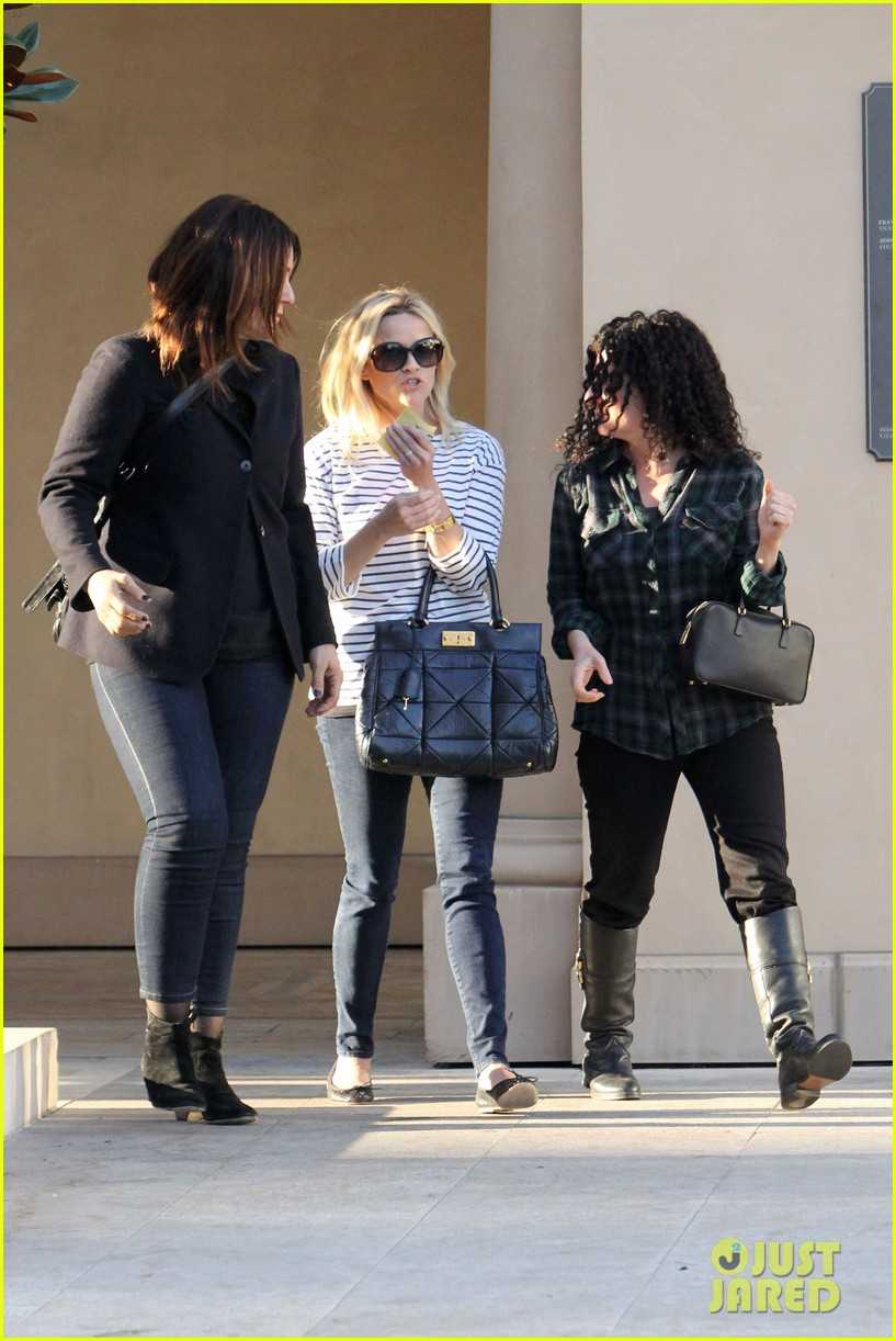 reese witherspoon lunch friends 01
