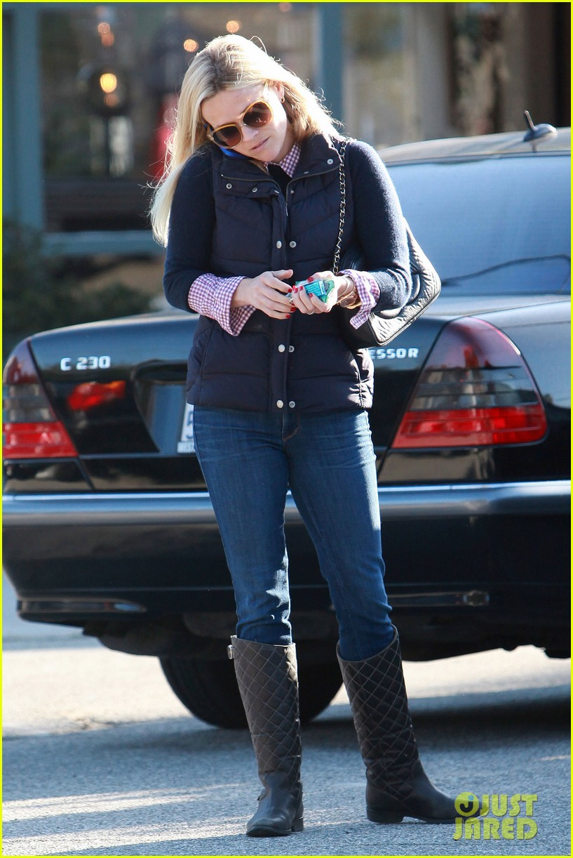 reese witherspoon phone call 032619368