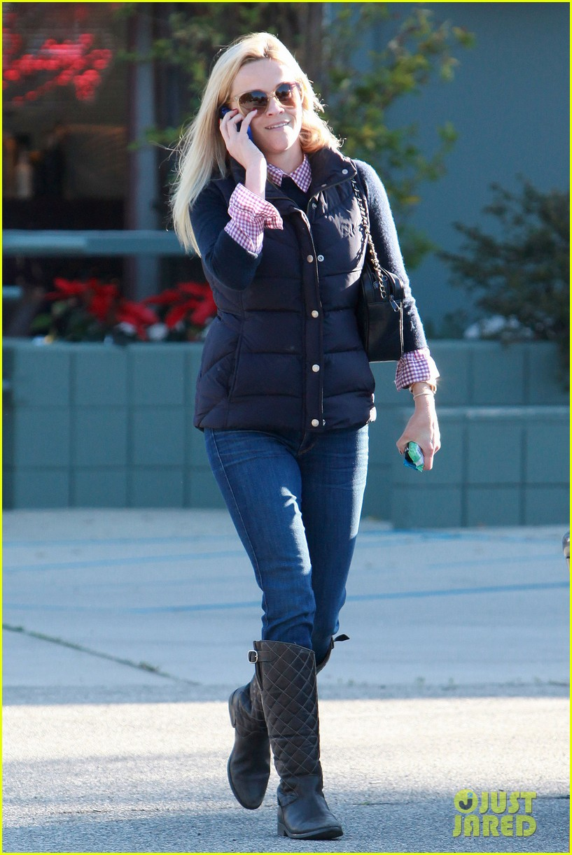 reese witherspoon phone call 042619369