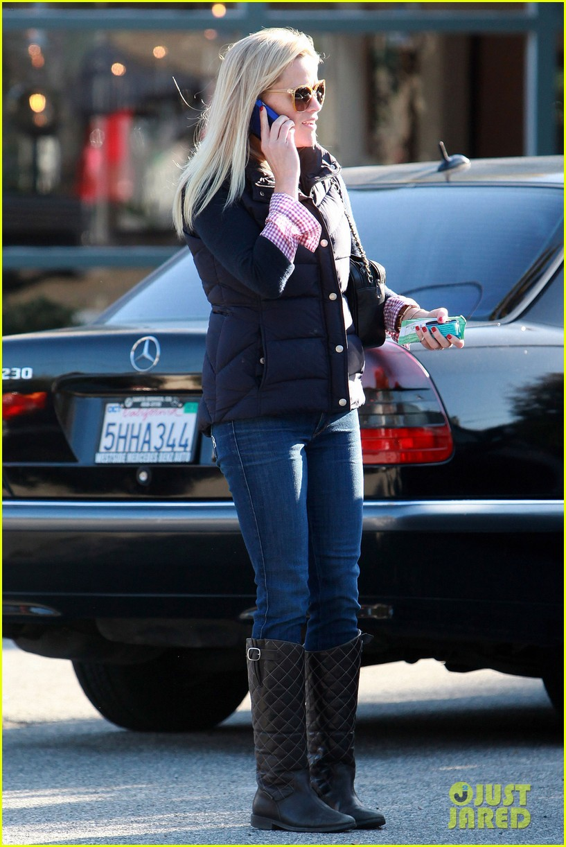 reese witherspoon phone call 062619371