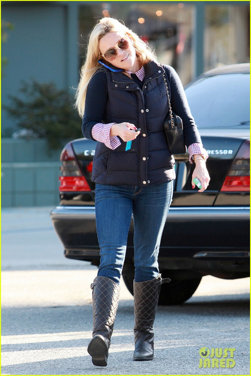 reese witherspoon phone call 072619372