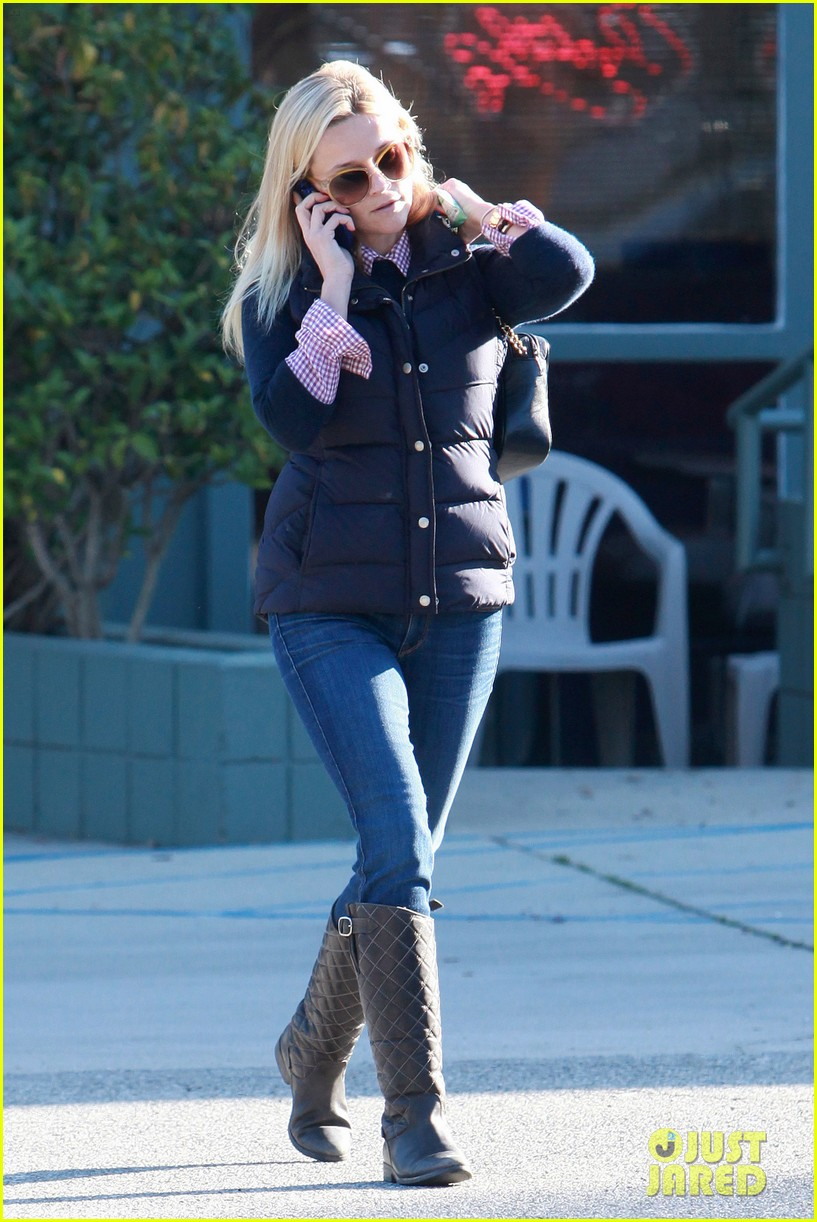 reese witherspoon phone call 082619373