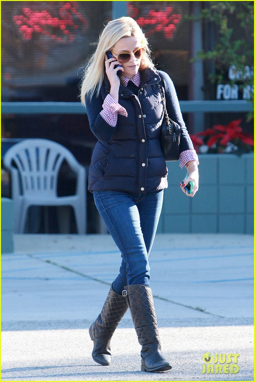 reese witherspoon phone call 122619377
