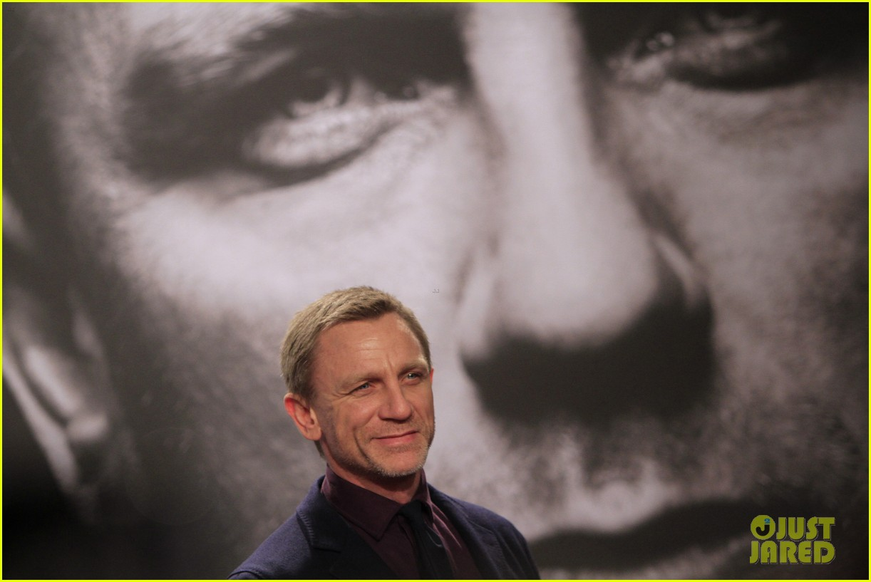 daniel craig rooney mara dragton germany premiere 07