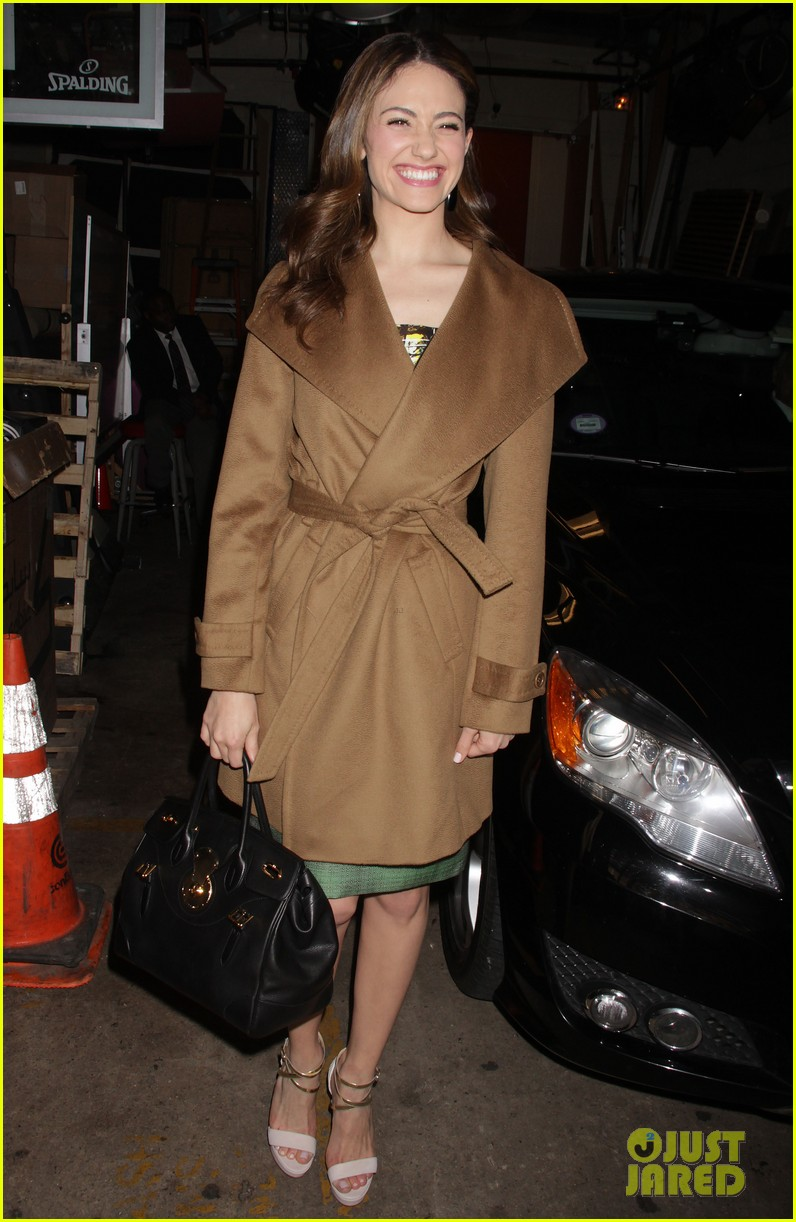 emmy rossum nyc hotel live kelly 12