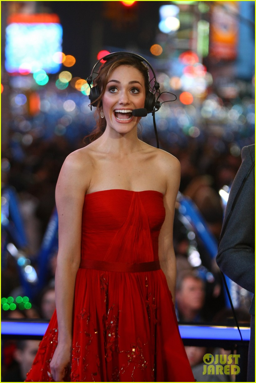 emmy rossum new years eve 022613807