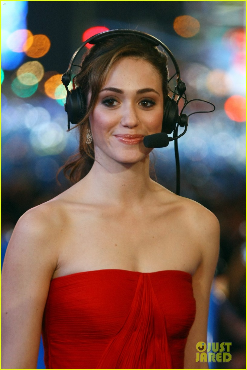emmy rossum new years eve 03