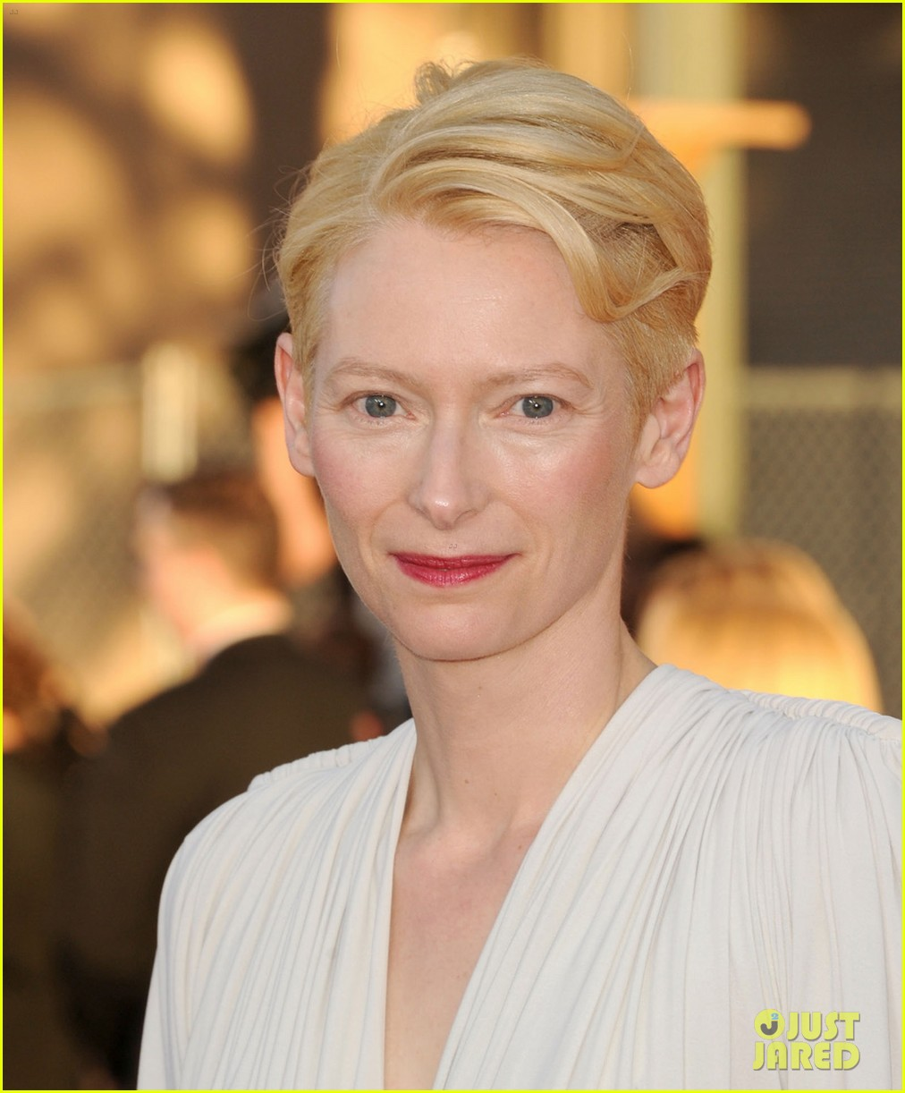 tilda swinton sag awards 2012 01