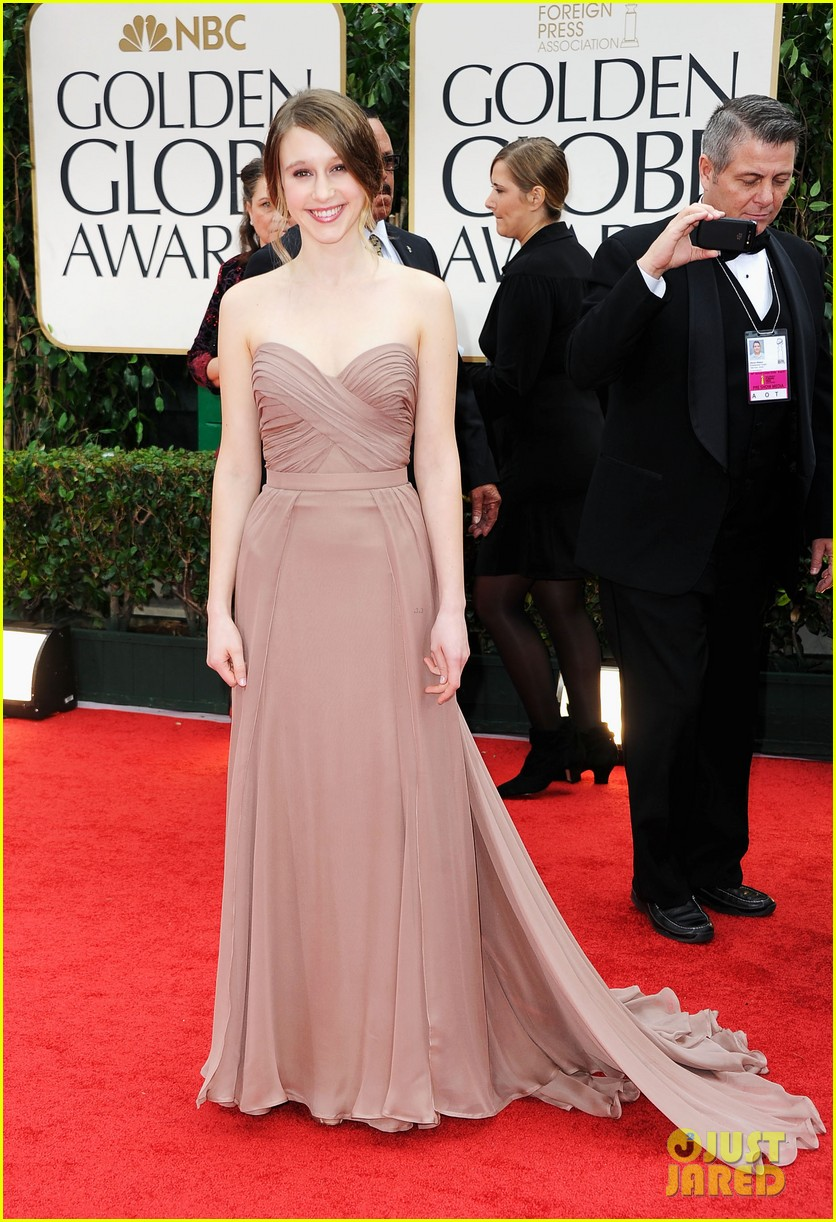 taissa farmiga golden globes evan peters 052618645