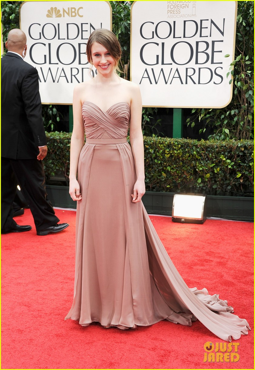 taissa farmiga golden globes evan peters 072618647