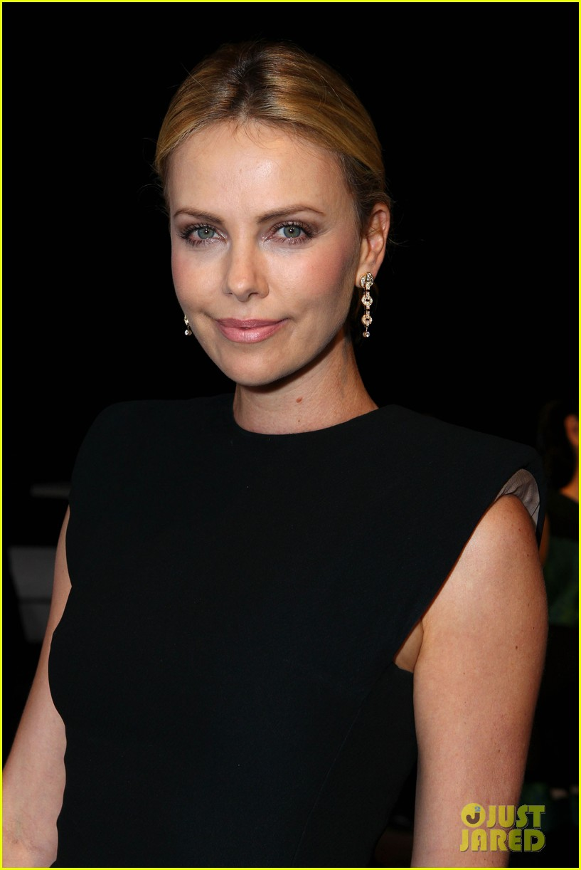 charlize theron palm springs ensemble award 022615318