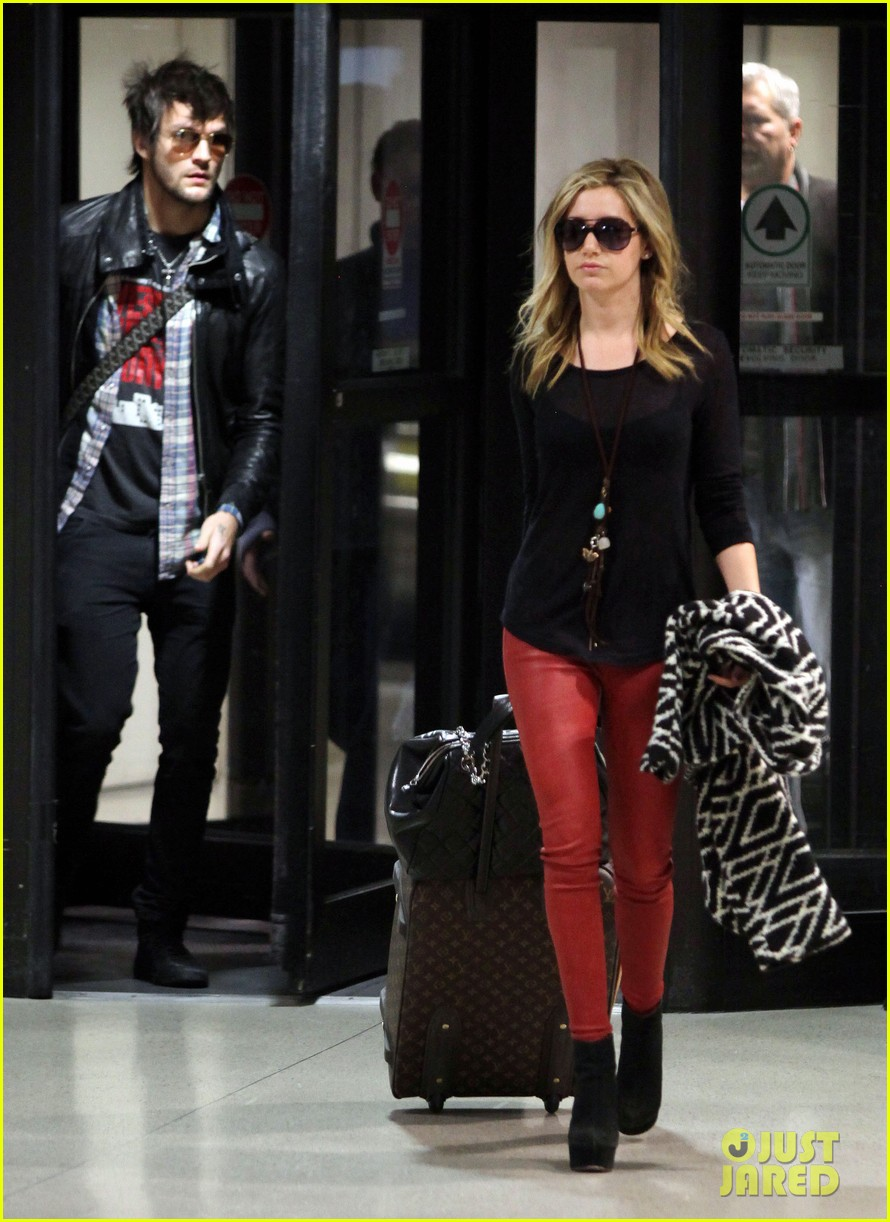 ashley tisdale martin johnson 062614199
