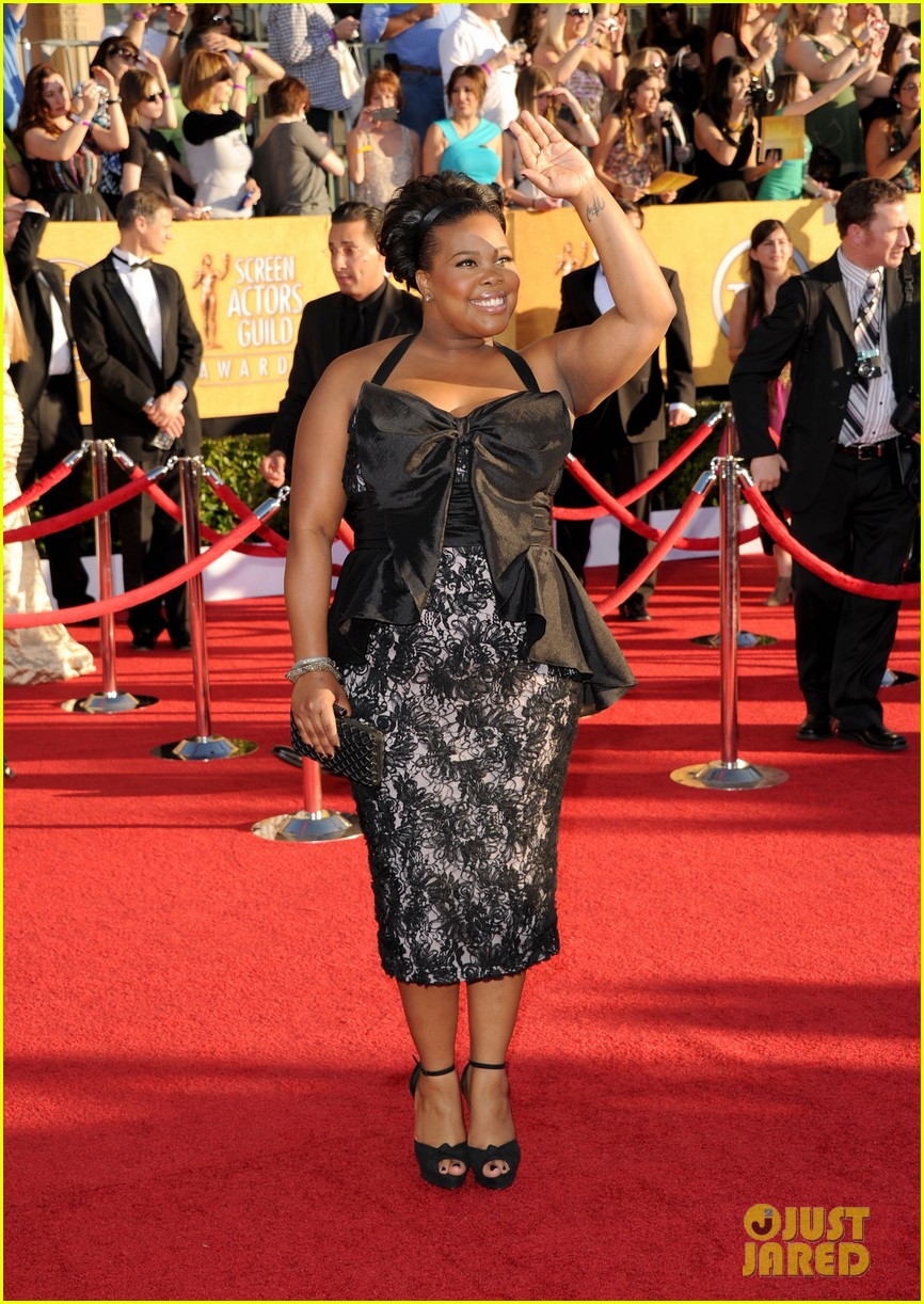 jenna ushkowitz amber riley 2012 sag awards 03