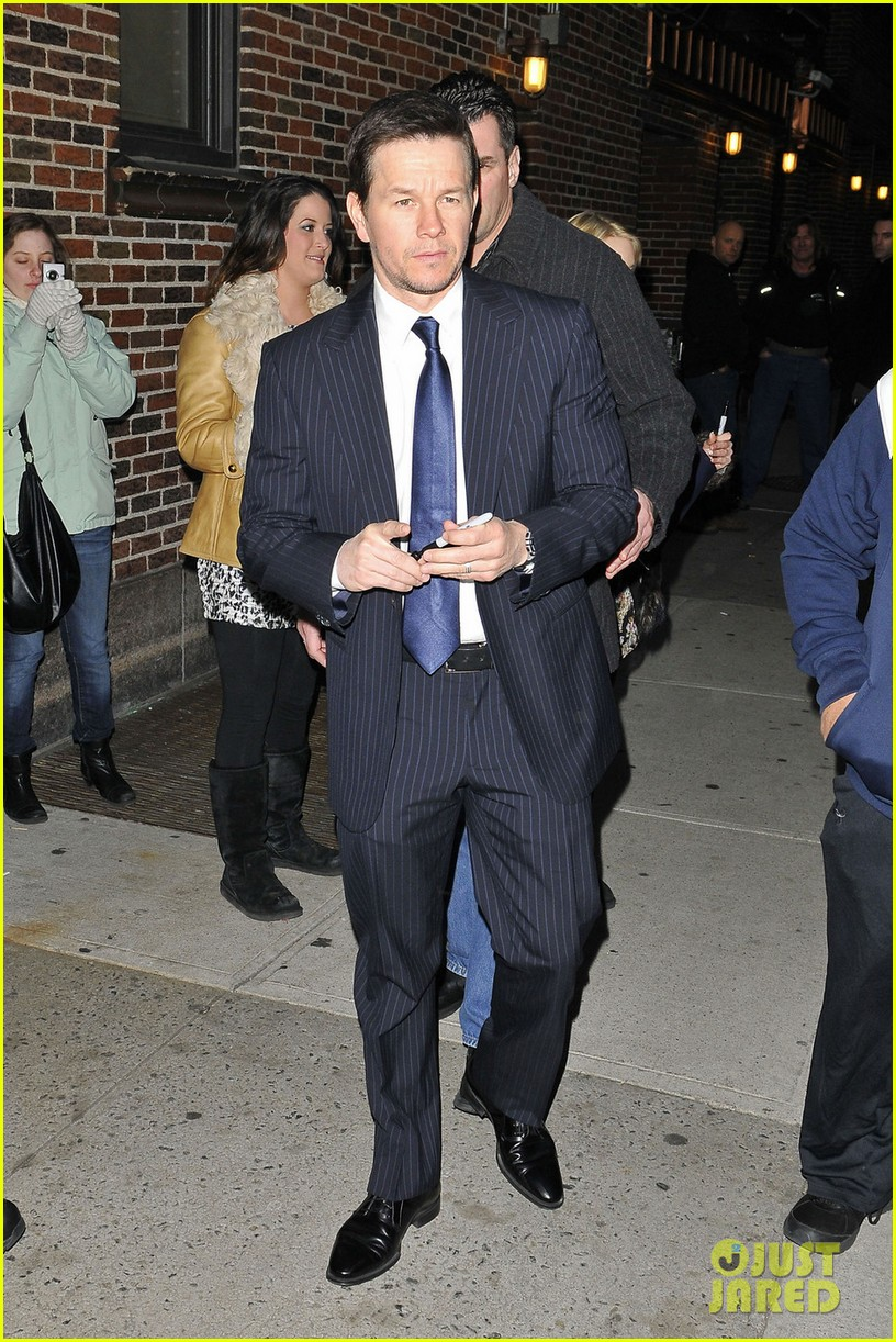 mark wahlberg late show with david letterman visit 01