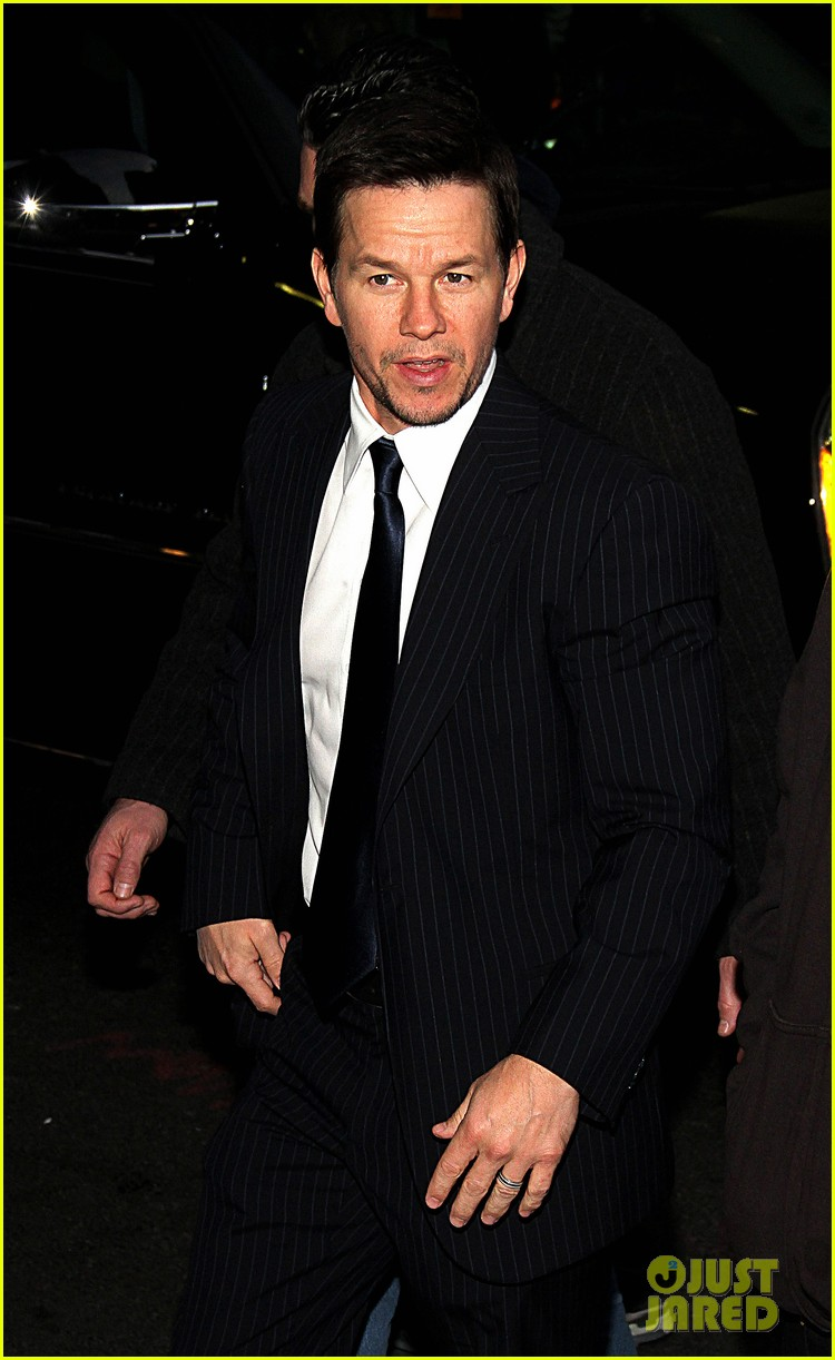mark wahlberg late show with david letterman visit 04