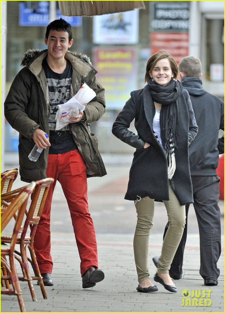 emma watson new boyfriend out 012615880