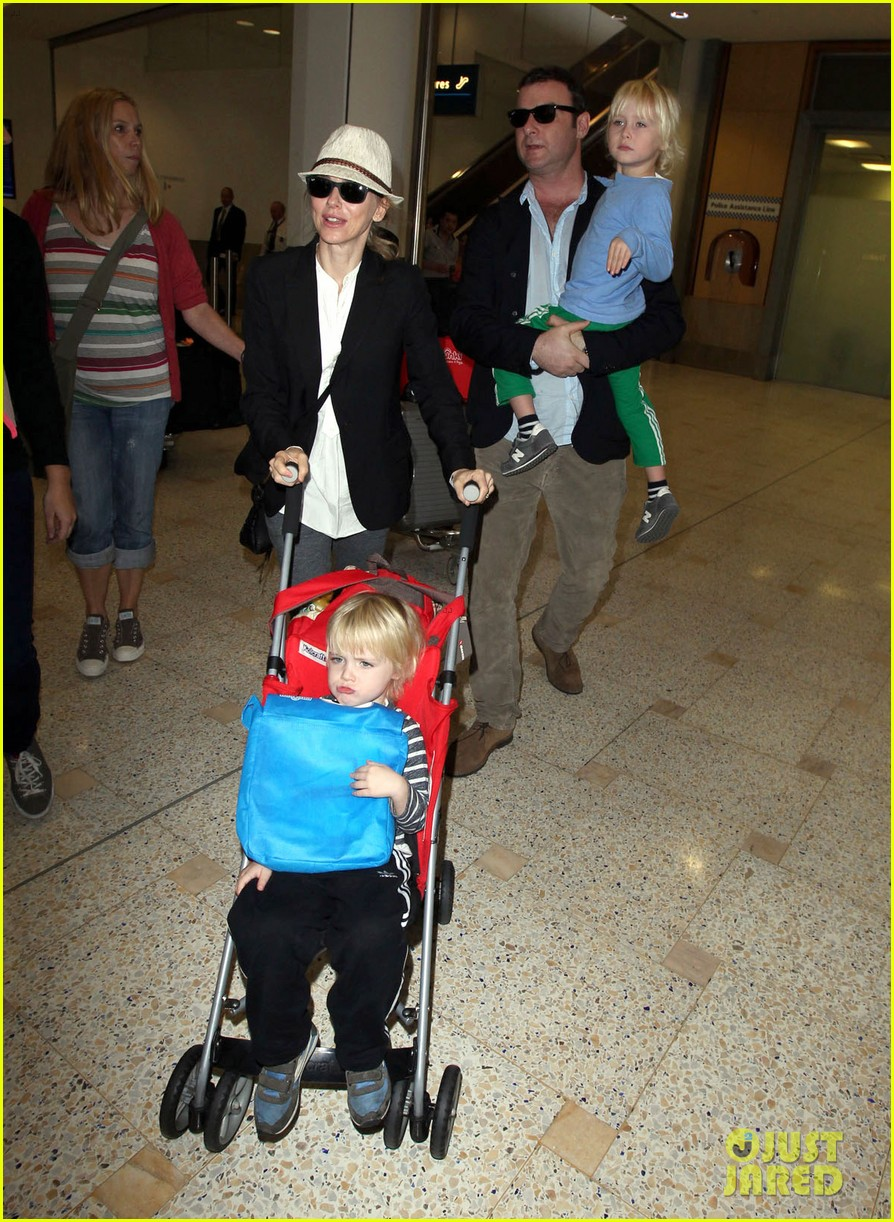 naomi watts liev schreiber sydney arrival with the boys 062621765