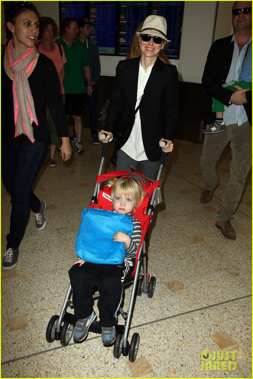 naomi watts liev schreiber sydney arrival with the boys 072621766