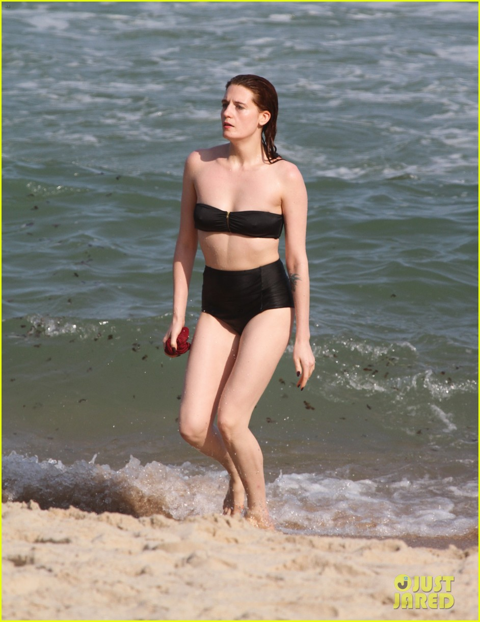 florence welch hits the beach with new boyfriend 012620109