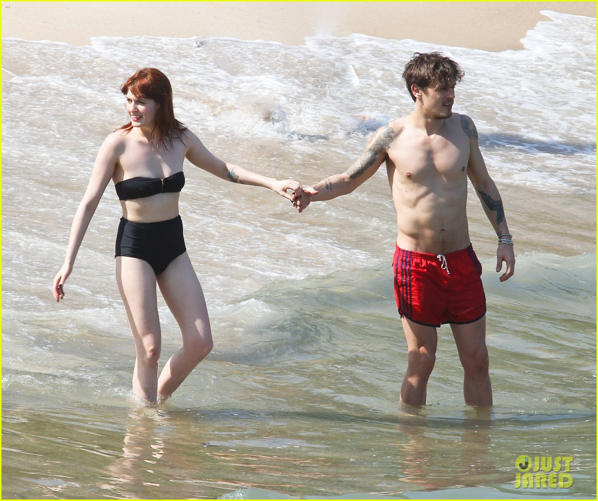florence welch hits the beach with new boyfriend 022620110