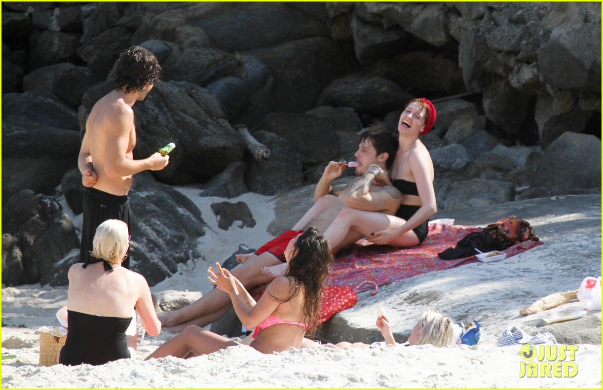 florence welch hits the beach with new boyfriend 232620131
