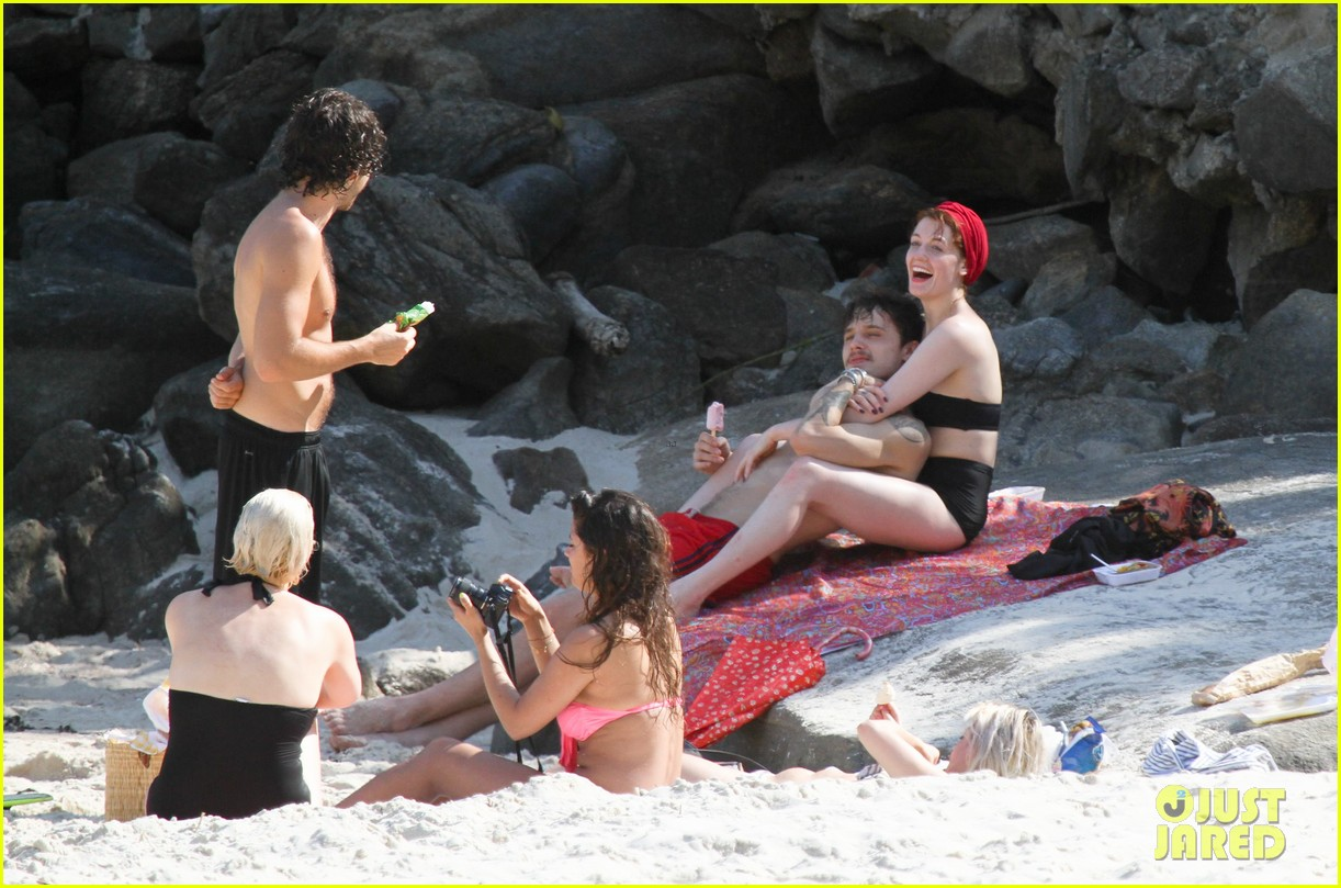 florence welch hits the beach with new boyfriend 242620132