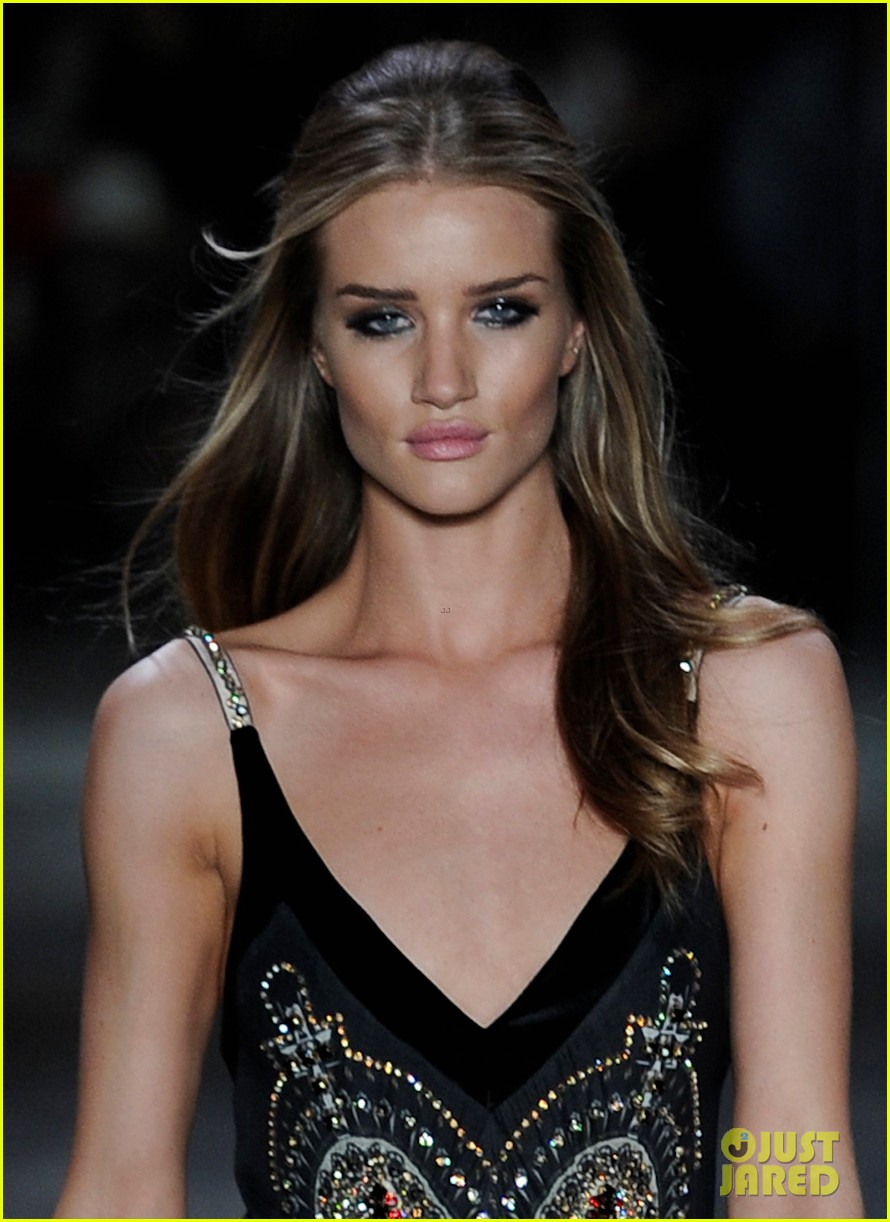 rosie huntington whiteley animale show sao paulo 02