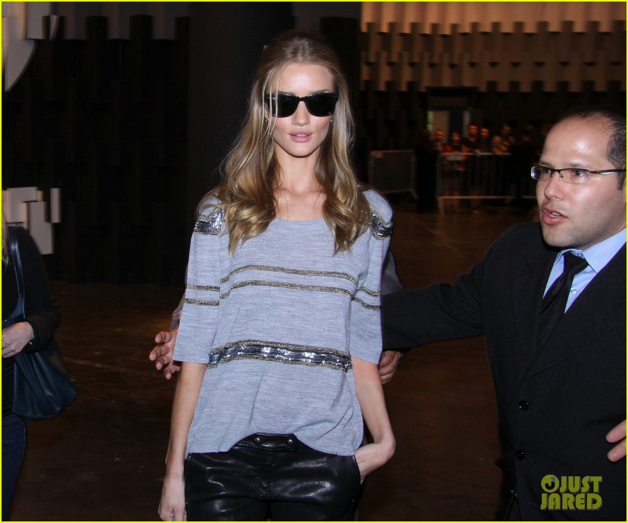 rosie huntington whiteley autographs hotel 09