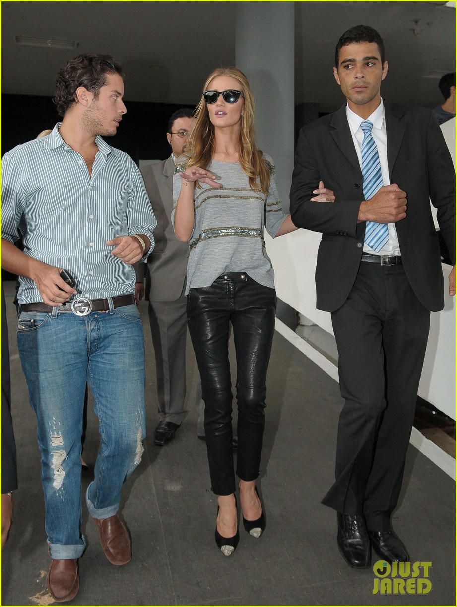 rosie huntington whiteley autographs hotel 11
