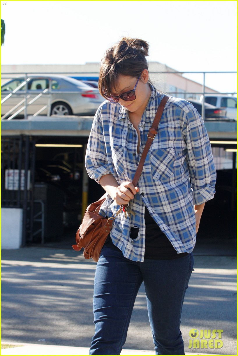 olivia wilde shailene woodley palm springs 17