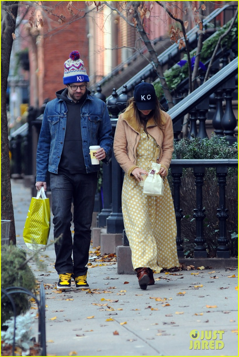 olivia wilde jason sudeikis afternoon take out 072614154