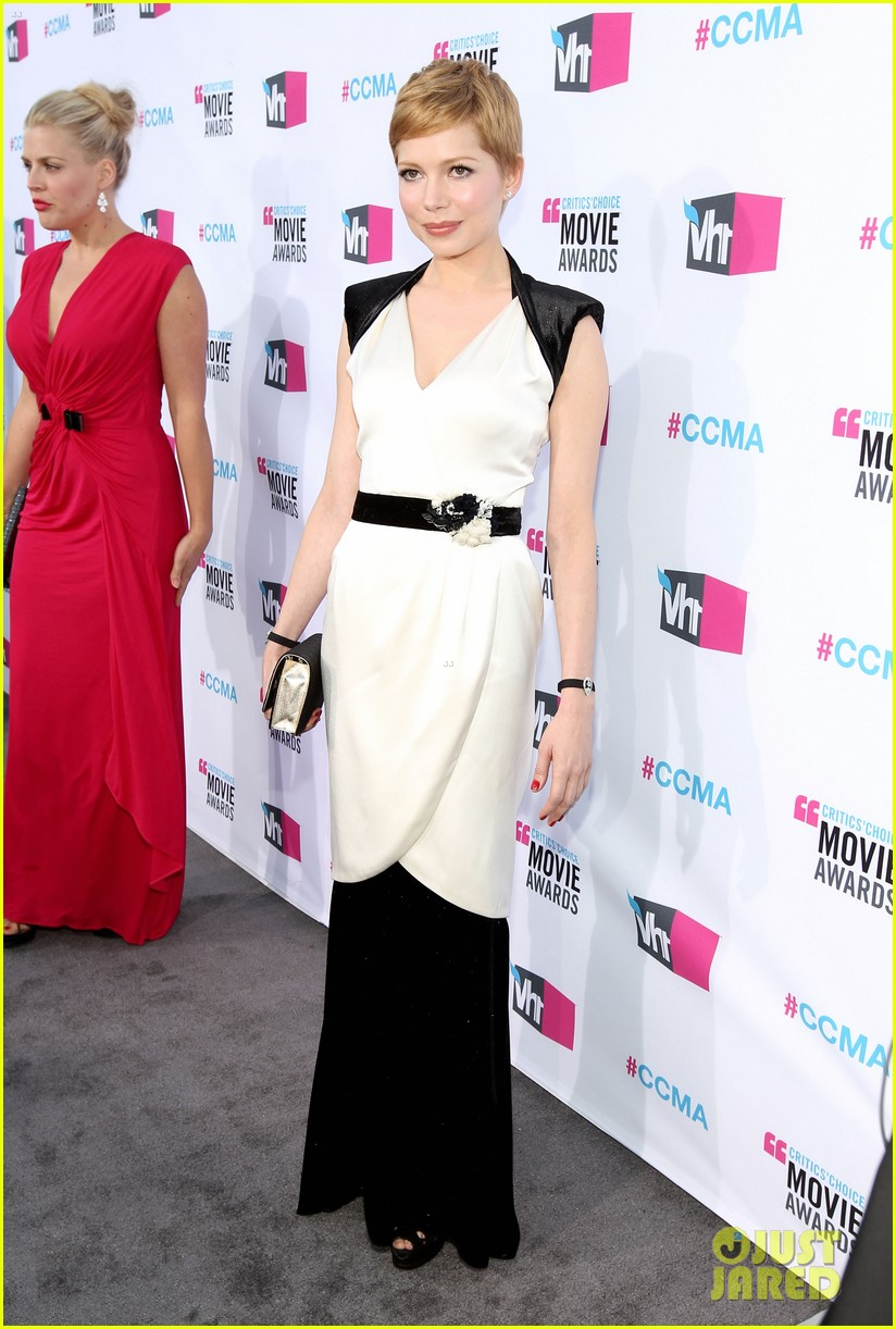 michelle williams 2012 critics choice awards 08