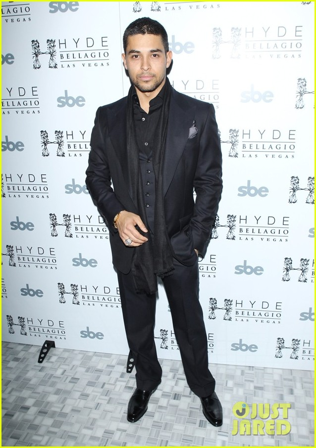 wilmer valderrama vegas new years 022613988
