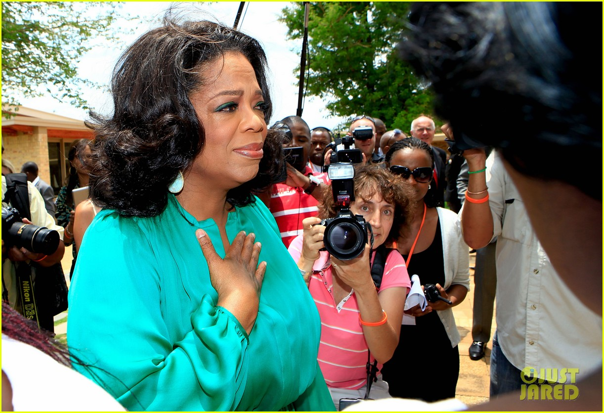 oprah winfrey as a leader essay This paper seeks to evaluate the leadership traits of oprah in line with an essay oprah winfrey: a great leader claims that she experienced negative.
