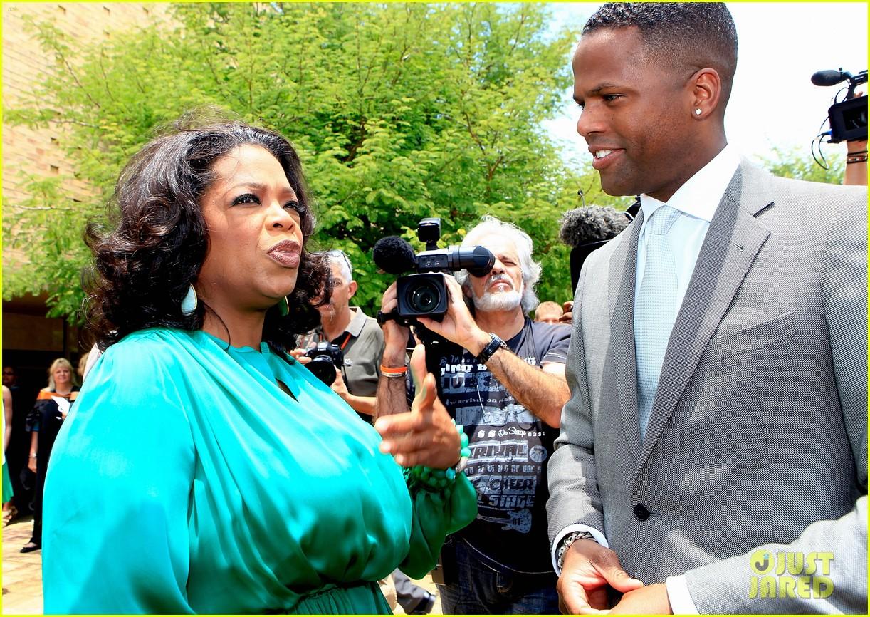 oprah winfrey leadership academy graduation 112617565