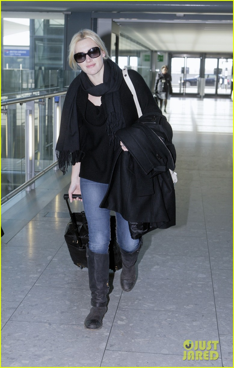kate winslet heathrow airport 032623958