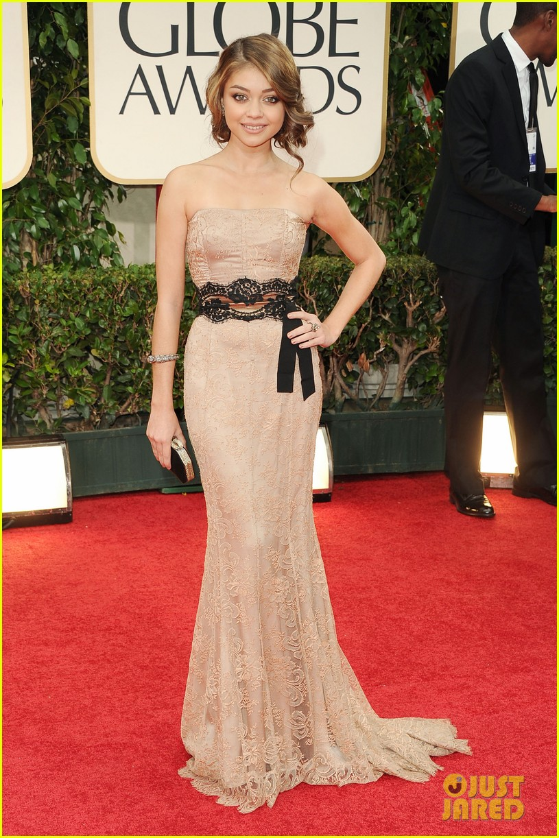 ariel winter sarah hyland golden globes 082618381