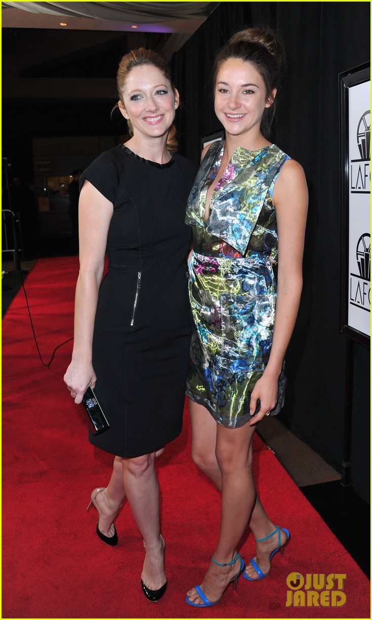 shailene woodley bafta tea film critics association awards 11